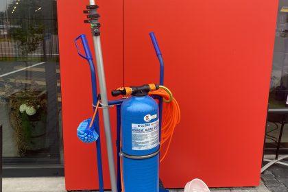 """""""CLENA Osmose Clean DI-System"""" voor het eenvoudig wassen en reinigen van uw ramen en gevels. Nu verkrijgbaar bij Knoll B.V."""